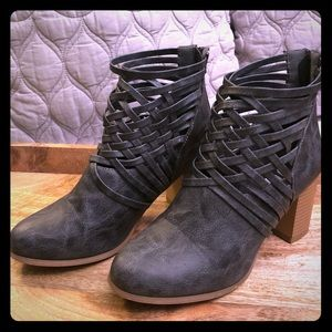 Shoes - Distressed, Chunky Heel Boot - 7 1/2